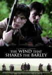 Plakat filmu Wiatr buszujący w jęczmieniu